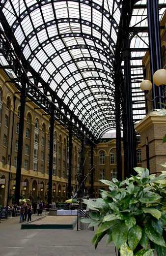 UK - England, London, The Hays Galleria on the south bank : Stock Photo