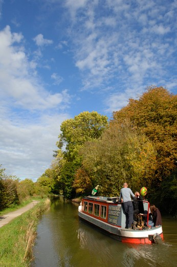 Stock Photo: 1885-26535 UK - England, Leicestershire, Market Harborough, Boat trip on the Grand Union Canal