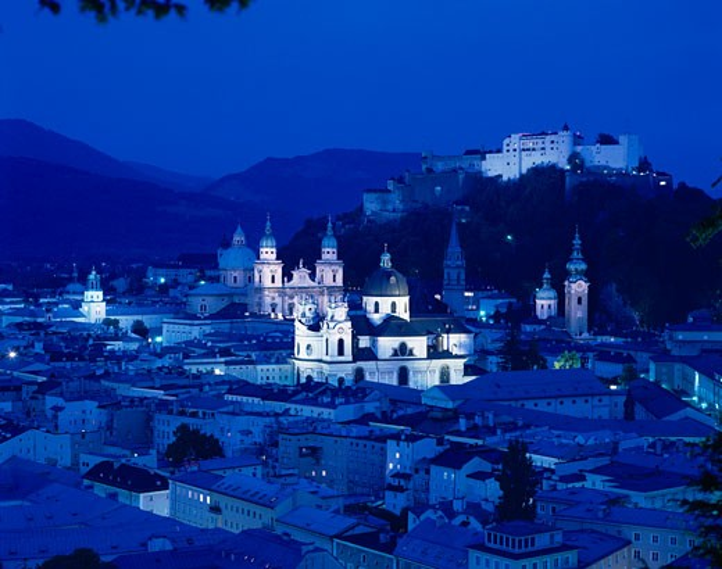 Stock Photo: 1885-2673 Austria, Salzburger Land, Salzburg, View to Hohensalzburg Castle