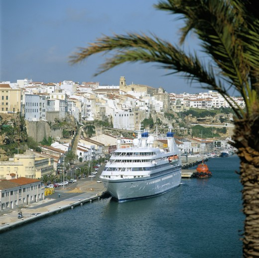 Balearic Islands, Menorca, Mahon, Harbour view with the Cruiseship Seabourn Legend. : Stock Photo