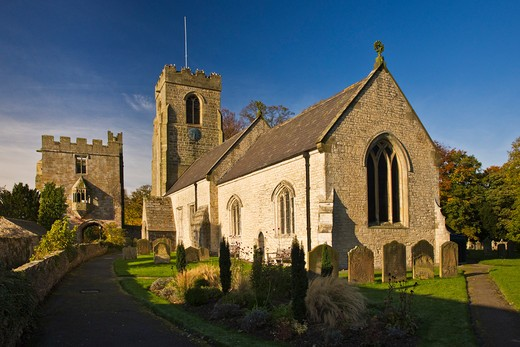 Stock Photo: 1885-27235 UK - England, Yorkshire, West Tanfield, The Marmion Tower and St Nicholas Church