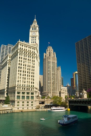 USA, Illinois, Chicago, Chicago River and Wrigley Building : Stock Photo