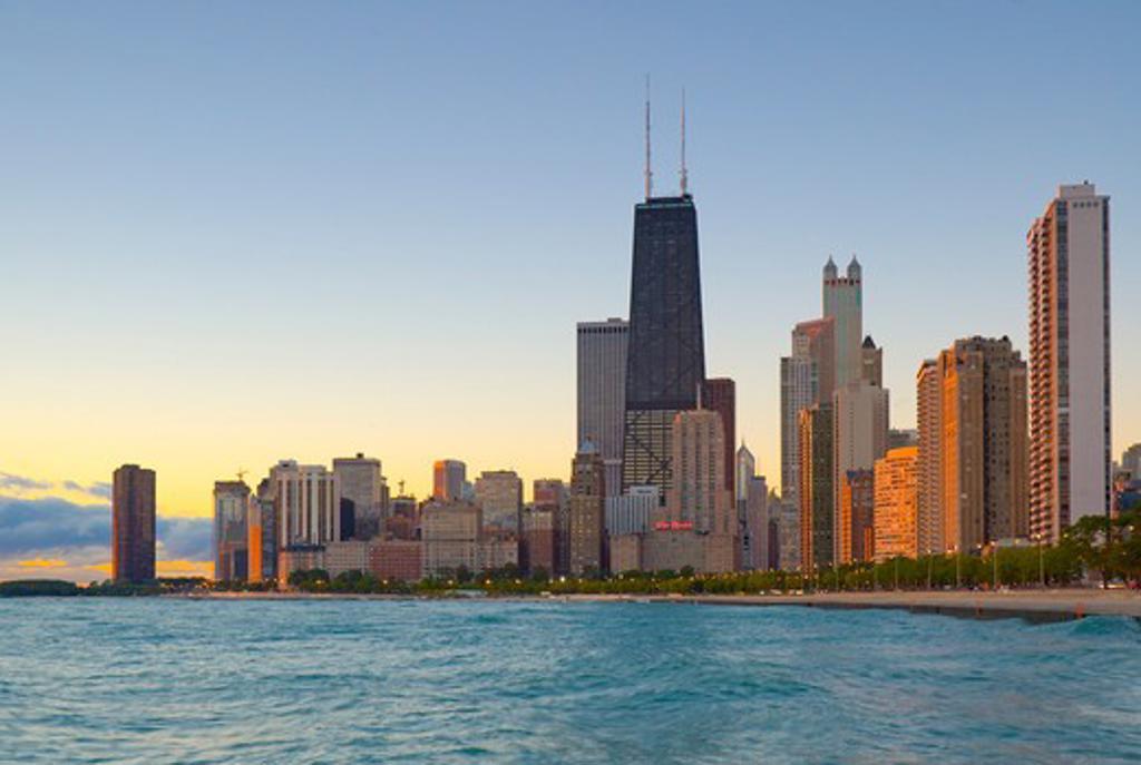 USA, Illinois, Chicago, Lake Michigan and skyline with Hancock Tower : Stock Photo