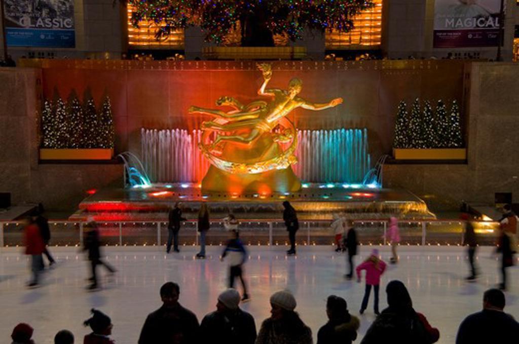 USA, New York, Manhattan, USA New York City Manhattan Rockefeller Plaza Icerink and Christmas Tree : Stock Photo