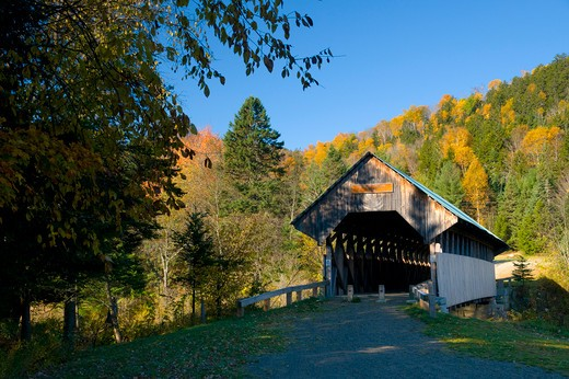 USA, New Hampshire, Magalloway, Bennett-Bean Covered Bridge in autumn : Stock Photo