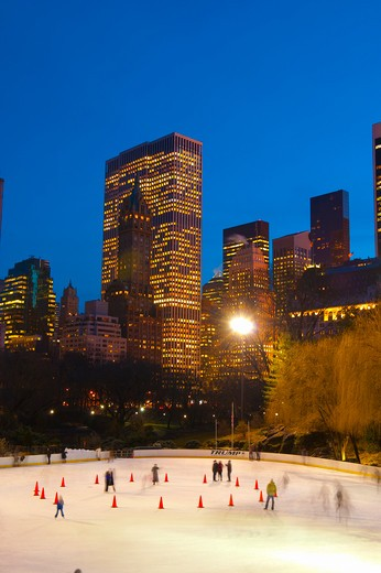 USA, New York State, New York, Central Park - Wollman Ice Rink : Stock Photo