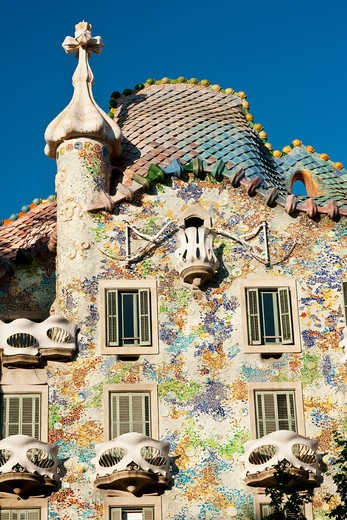 Stock Photo: 1885-28802 Spain, Catalunya, Barcelona, Parc Guell - Casa Batllo by Antoni Gaudi