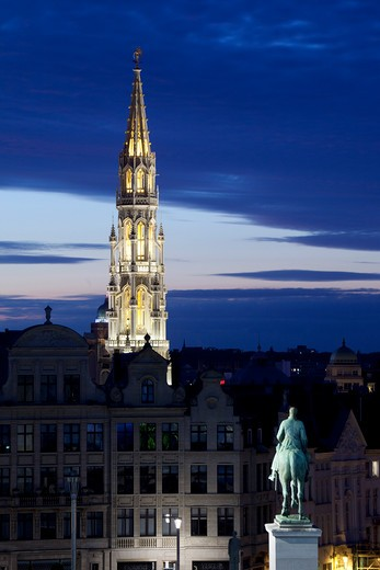 Belgium, Flanders, Brussels, Place de L Albertine and Hotel de Ville tower at night : Stock Photo
