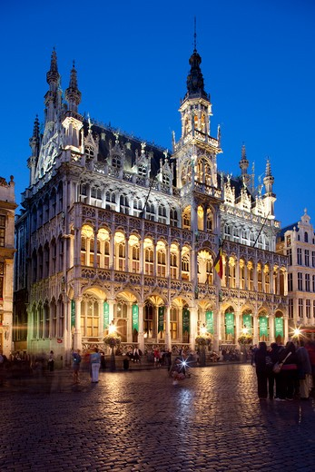 Stock Photo: 1885-29168 Belgium, Flanders, Brussels, Grand Place - Brussels City Museum at night