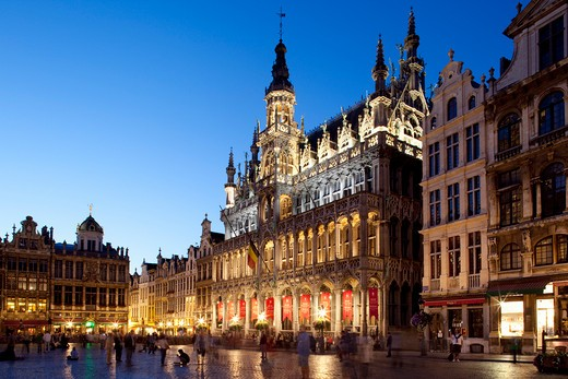 Stock Photo: 1885-29170 Belgium, Flanders, Brussels, Grand Place - Brussels City Museum at night