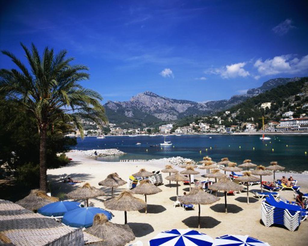 Balearic Islands, Mallorca, Puerto Soller, Beach Scene : Stock Photo