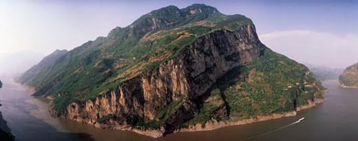 Xiling gorge on River Yangtze,China : Stock Photo
