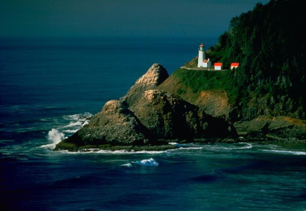 Heceta Head Lighthouse and coastline near Florence, Oregon. : Stock Photo