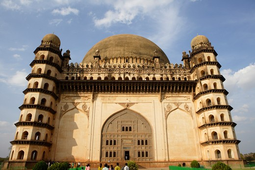 Stock Photo: 1886-49334 Gol Gumbaz ; built in 1659 ; Mausoleum of Muhammad Adil Shah ii 1627-57 ; dome is second largest one in world which is unsupported by any pillars ; Bijapur ; Karnataka ; India