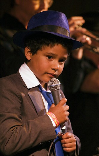 Stock Photo: 1886-50608 Bayou style performer ALLIGATORS son sings during a tribute to Ray Charles at the MONTEREY BAY BLUES FESTIVAL - MONTEREY, CALIFORNIA