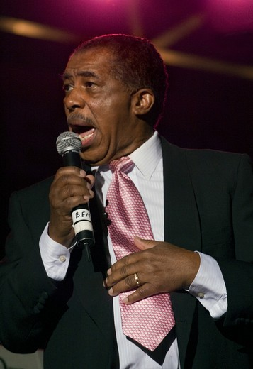Stock Photo: 1886-50613 BEN E KING sings with the 4 KINGS OF RHYTHM & BLUES at the MONTEREY BAY BLUES FESTIVAL - MONTEREY, CALIFORNIA
