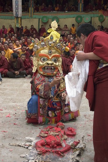 Human effigy is cut up to remove negativity at the Monlam Chenpo, Katok Dorjeden Monastery - Kham, (Tibet), Sichuan, China : Stock Photo