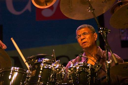 Jack Dehohnette plays the drums while preforming with Bobby McFerrin at the MONTEREY JAZZ FESTIVAL - CALIFORNIA : Stock Photo