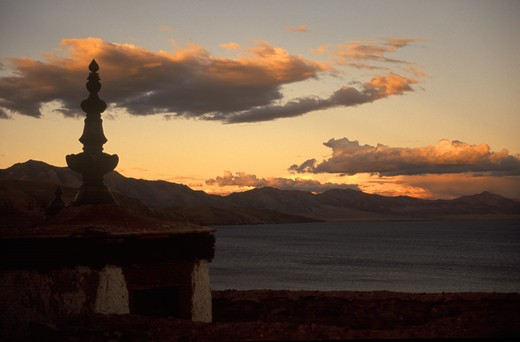Stock Photo: 1886-55279 SUNSET from the roof of CHIU MONASTERY which overlooks sacred LAKE MANASARAVAR (4550M) - KAILASH, TIBET