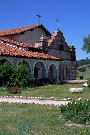 Front of Spanish style MISSION SAN ANTONIO DE PADUA, built by the Franciscan FATHER JUNIPERO SERRA in 1771 - CALIFORNIA : Stock Photo