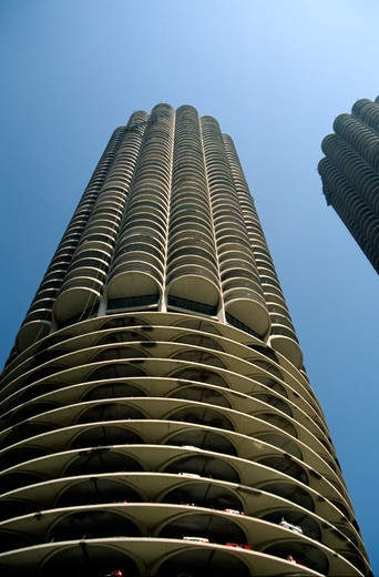 Stock Photo: 1886-56733 MARINA CITY with parking, apartments, shops and river access, built by BERTRAND GOLDBERG 1964 - CHICAGO, ILLINOIS