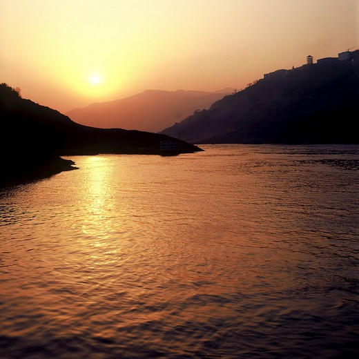 Stock Photo: 1886-60003 The Three Gorges On The Yangtze River,China