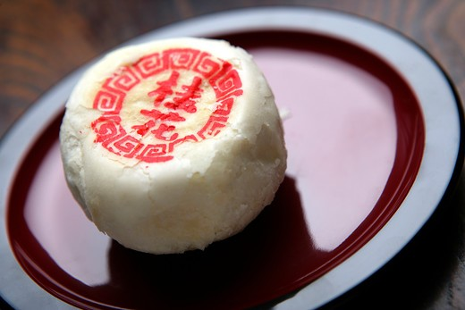 Stock Photo: 1886-60747 close-up of a piece of chinese cake
