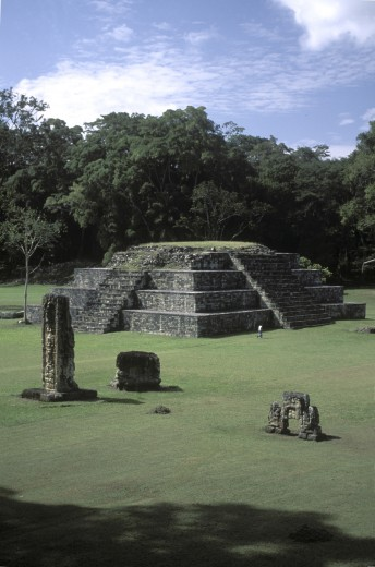 PYRAMID in the CEREMONIAL COURT, or GREAT PLAZA, an example of MAYAN ARCHITECTURE - COPAN RUINS, HONDURAS : Stock Photo