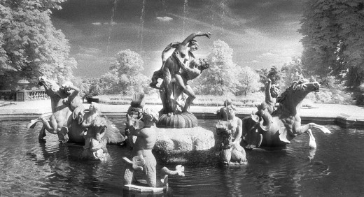 Fountain, Waddesdon Manor, Buckinghamshire, England : Stock Photo