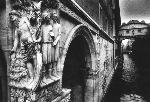 'The Drunkenness of Noah' on the corner of the Doge's Palace leading to the 'Ponte dei Sospiri' or the 'Bridge of Sighs', Venice, Italy : Stock Photo