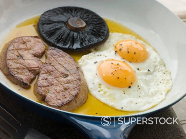 Stock Photo: 1888R-13668 Foie Gras Eggs and Portabello Mushrooms
