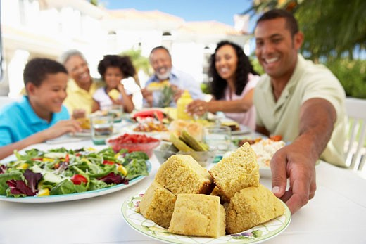 Family Eating An Al Fresco Meal : Stock Photo