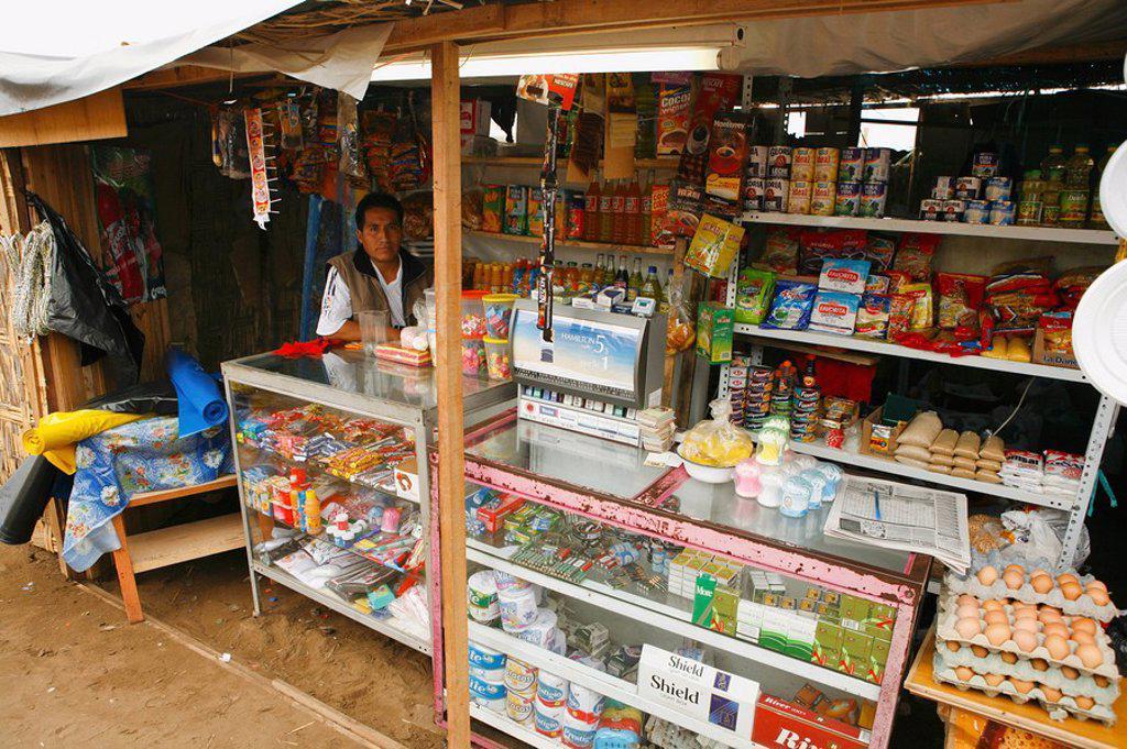 Convenience store, Lima, Peru : Stock Photo