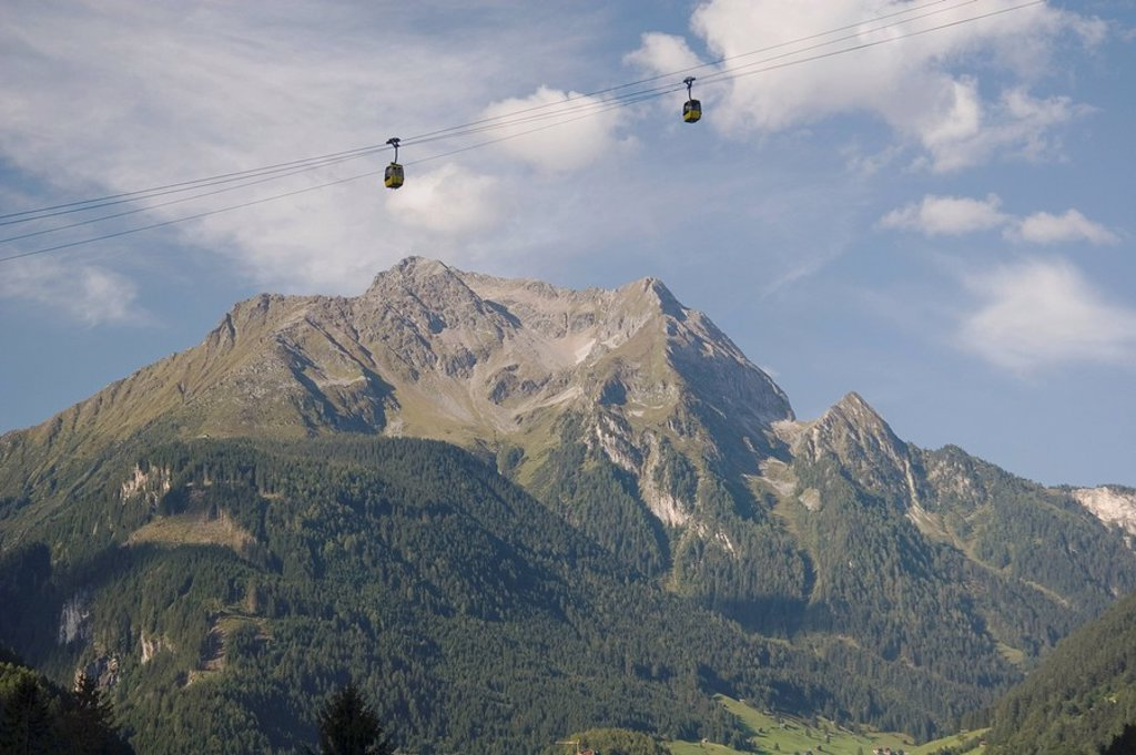 Mountains and gondola lift, Mayrhofen, Tirol, Austria : Stock Photo