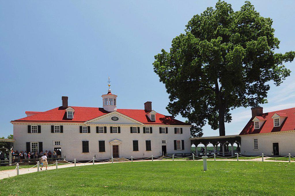 plantation home of george washington, mount vernon, virginia, usa : Stock Photo