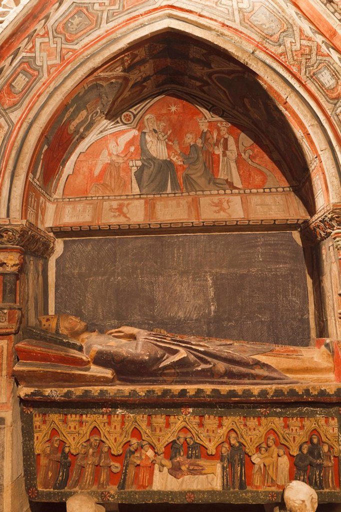 tomb in the old cathedral catedral vieja, salamanca, salamanca province, spain : Stock Photo