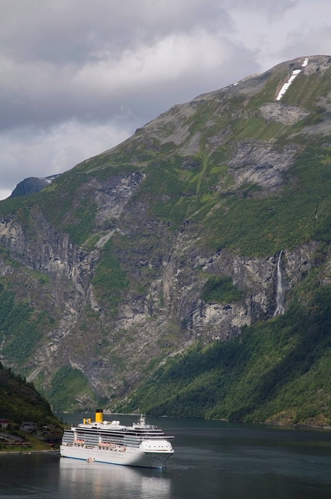 Cruise ship in Geirangerfjord, Norway, Scandinavia : Stock Photo