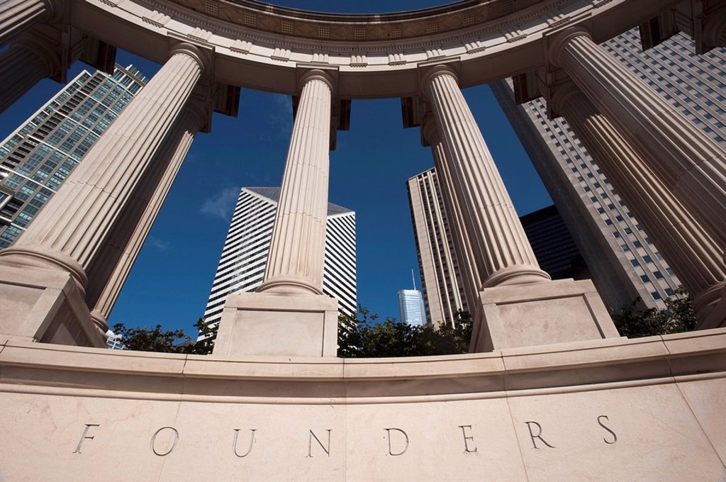 Pillars with the word ´Founders´ underneath : Stock Photo