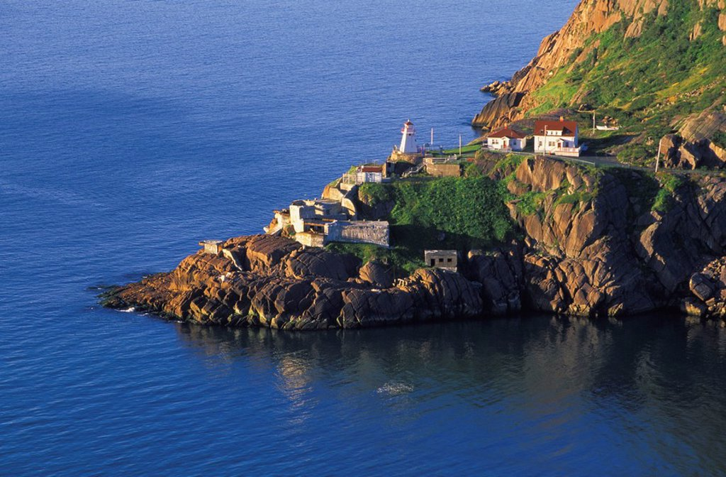 Fort Amherst Lighthouse, St. John´s, Newfoundland, Canada : Stock Photo