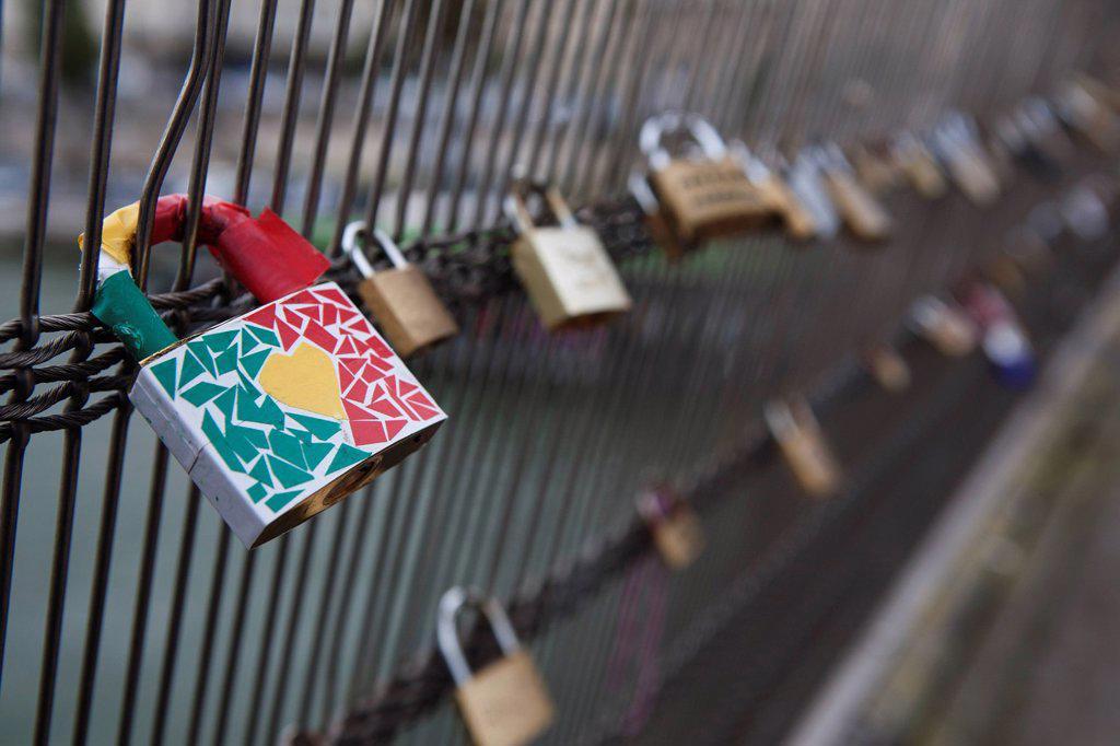 Stock Photo: 1889-62237 love locks attached to ponts des arts bridge fencing, paris, france