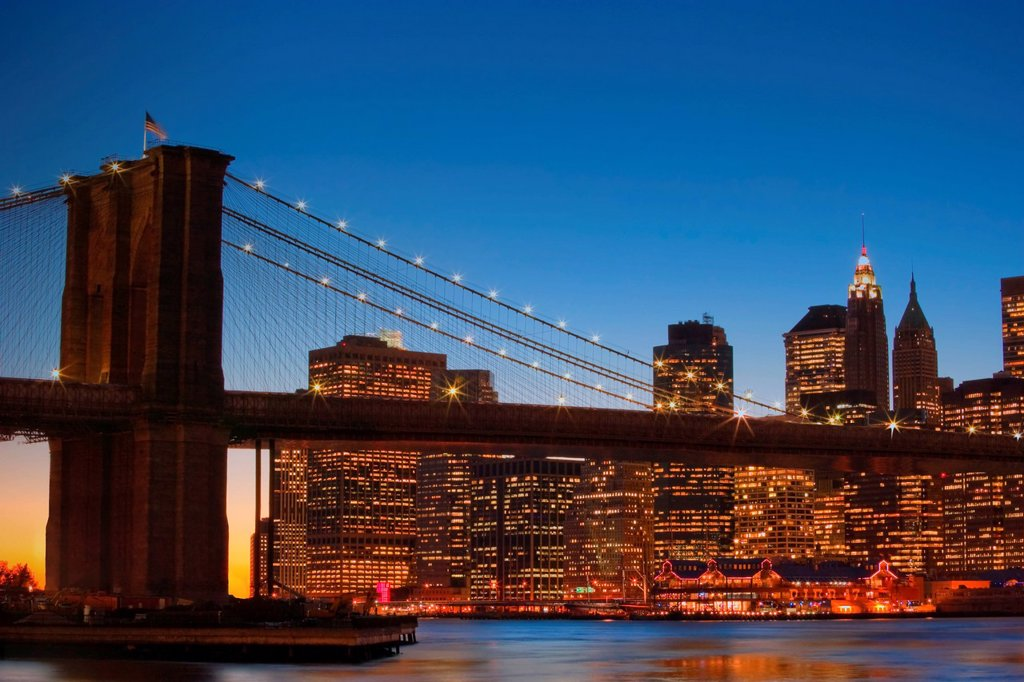 brooklyn bridge and downtown manhattan, new york city new york united states of america : Stock Photo