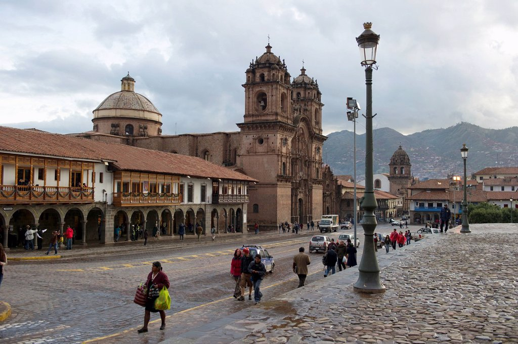 plaza de armas and templo de la compania de jesus, cusco peru : Stock Photo