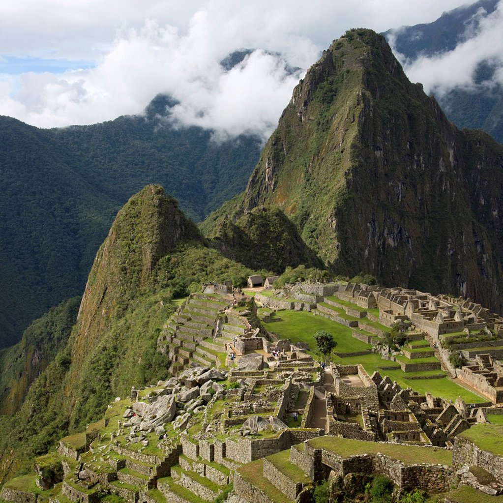 Stock Photo: 1889-66206 the historic inca site machu picchu, peru