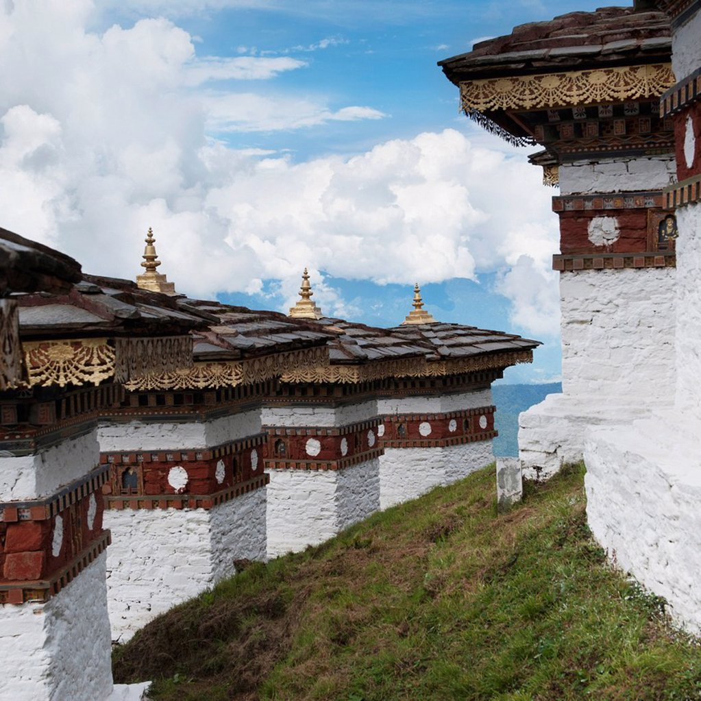 architectural detail at dochula pass, thimphu district bhutan : Stock Photo