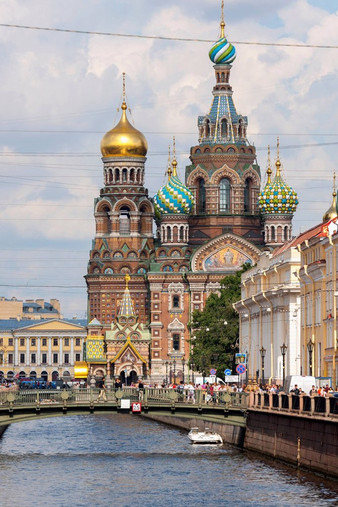 Stock Photo: 1889-74860 Church of the savior on spilled blood along the griboedova canal, st. petersburg russia