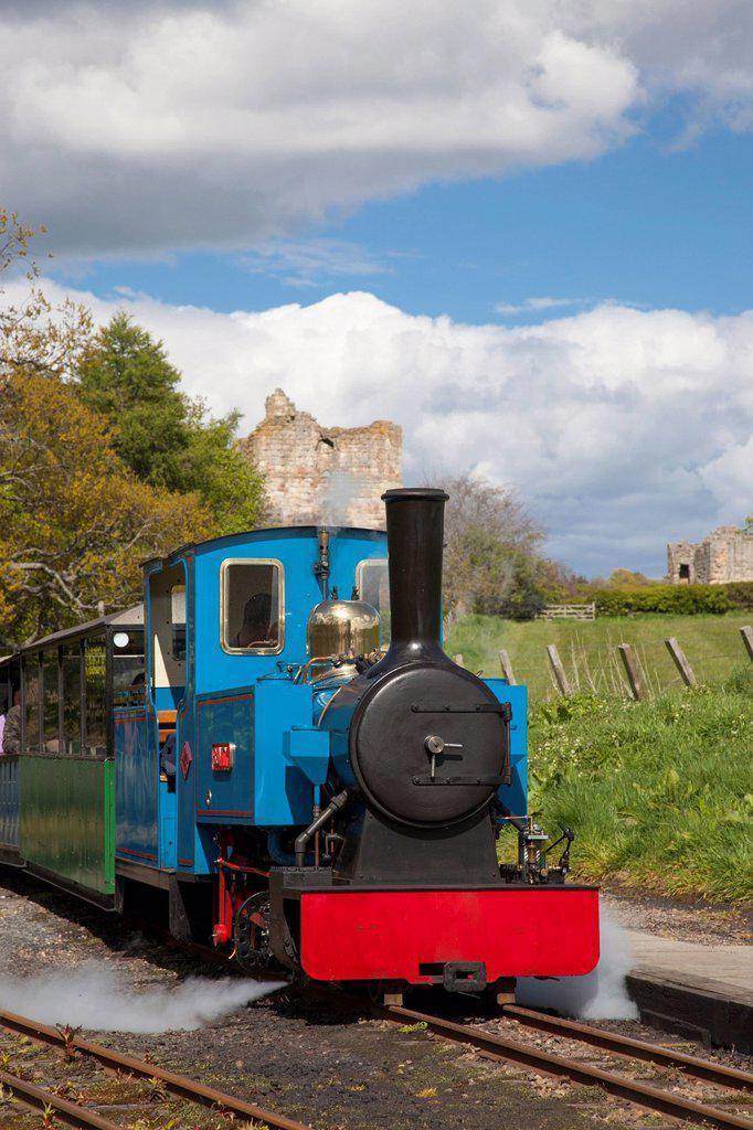 A train traveling on the tracks, etal northumberland england : Stock Photo