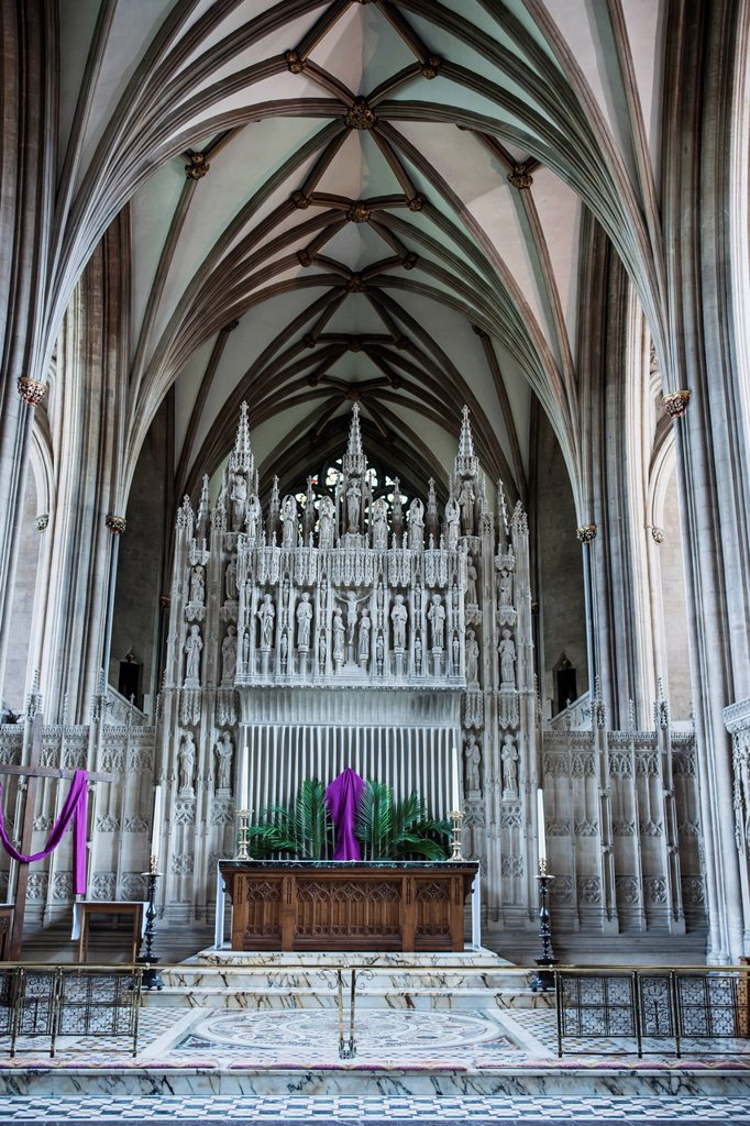 Altar in bristol cathedral, bristol avon england : Stock Photo