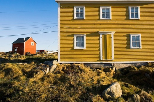 Yellow house, fogo island, newfoundland, canada : Stock Photo