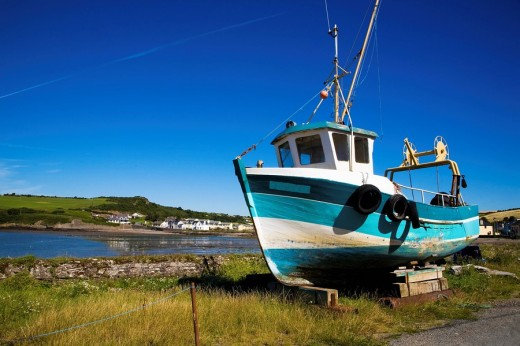 Stock Photo: 1889R-13009 Arthurstown, Waterford Harbour, County Wexford, Ireland, Beached fishing boat