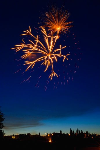 Stock Photo: 1889R-23850 Fireworks display
